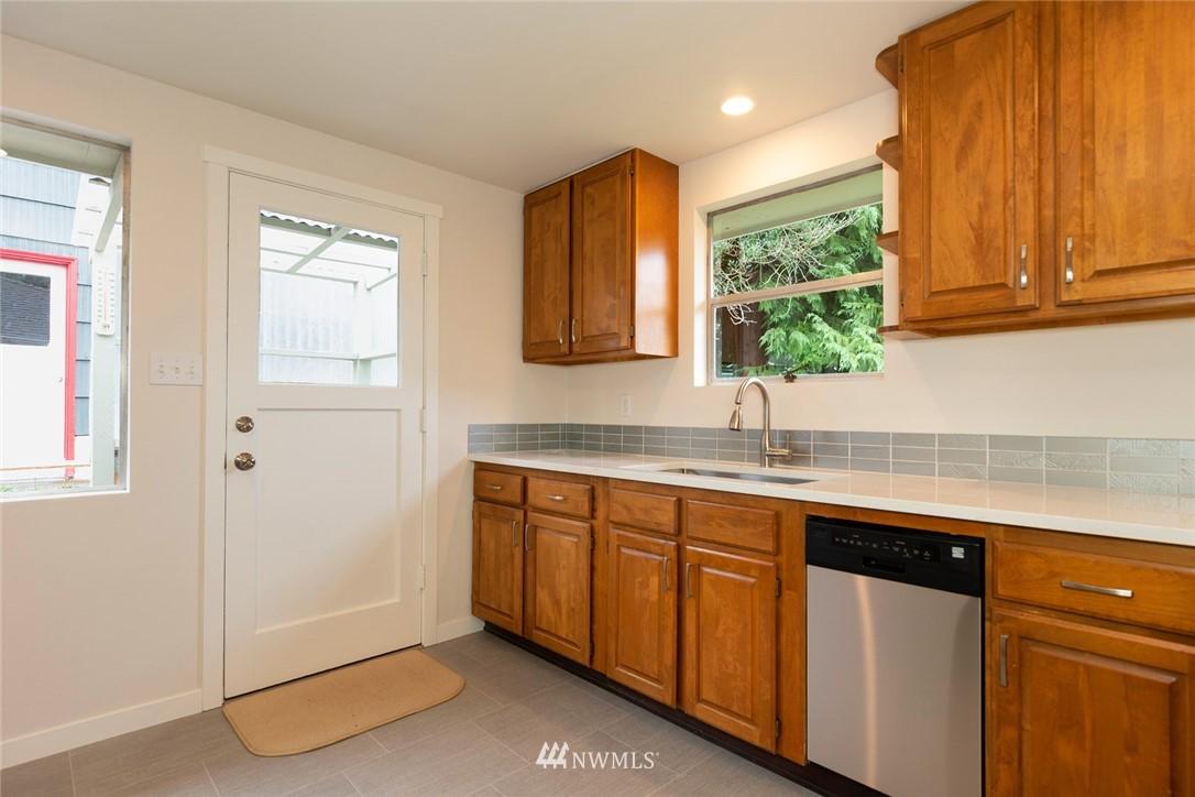 Sold Property | 813 NE 151st Street Shoreline, WA 98155 2