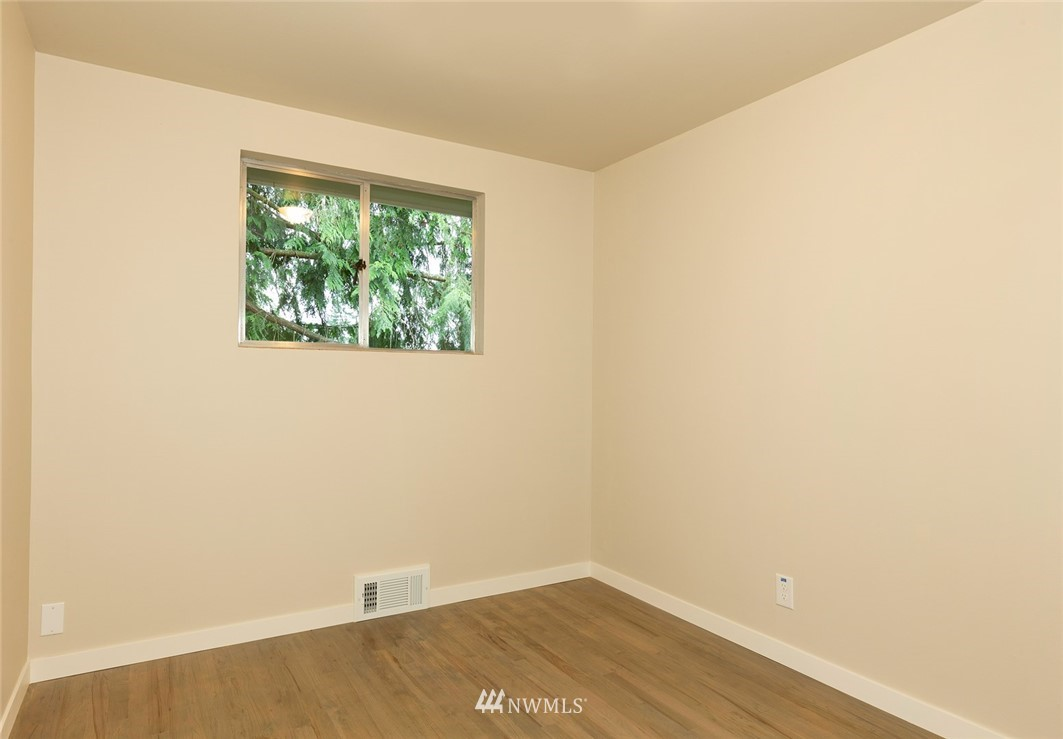 Sold Property | 813 NE 151st Street Shoreline, WA 98155 9