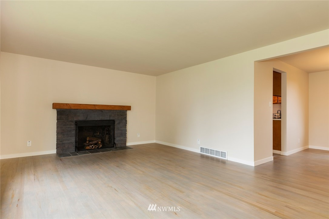Sold Property | 813 NE 151st Street Shoreline, WA 98155 6