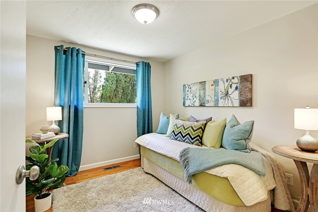 Sold Property | 319 NW 203rd Street Shoreline, WA 98177 17