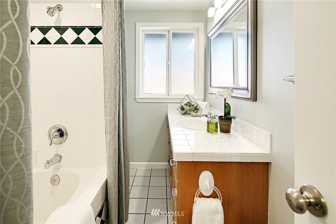 Sold Property | 319 NW 203rd Street Shoreline, WA 98177 19