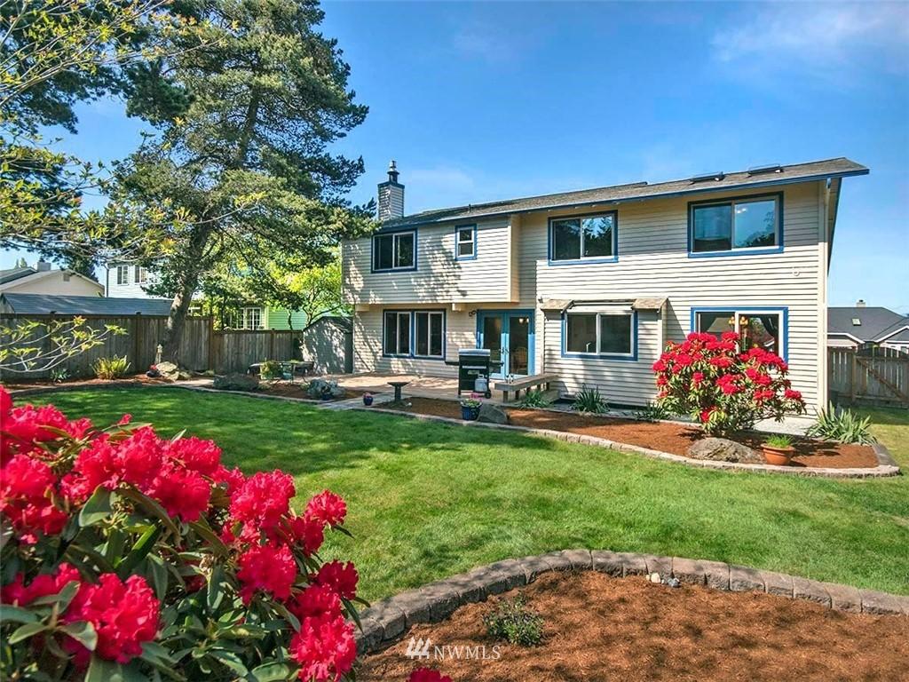Sold Property | 18601 Blue Ridge Drive Lynnwood, WA 98037 3