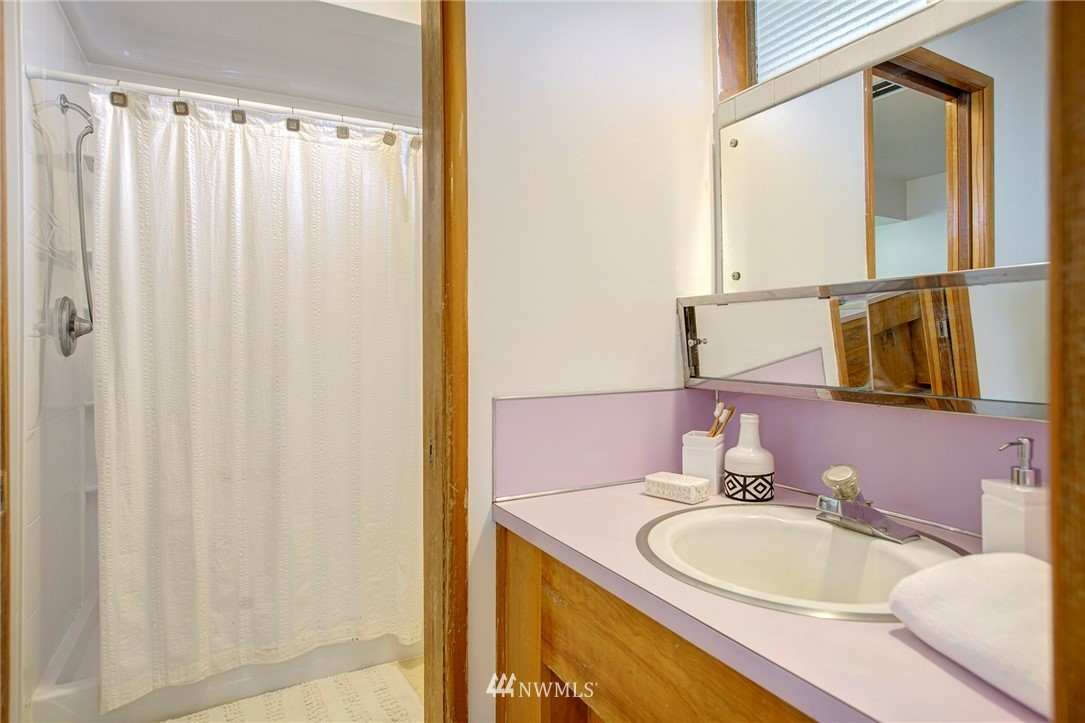 Sold Property | 10420 Cornell Avenue S Seattle, WA 98178 10