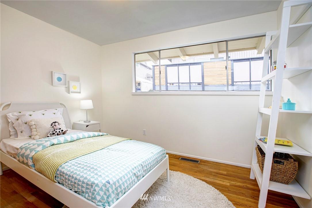 Sold Property | 10420 Cornell Avenue S Seattle, WA 98178 12