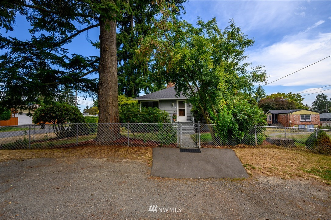 Sold Property | 2302 N 140th Street Seattle, WA 98133 22