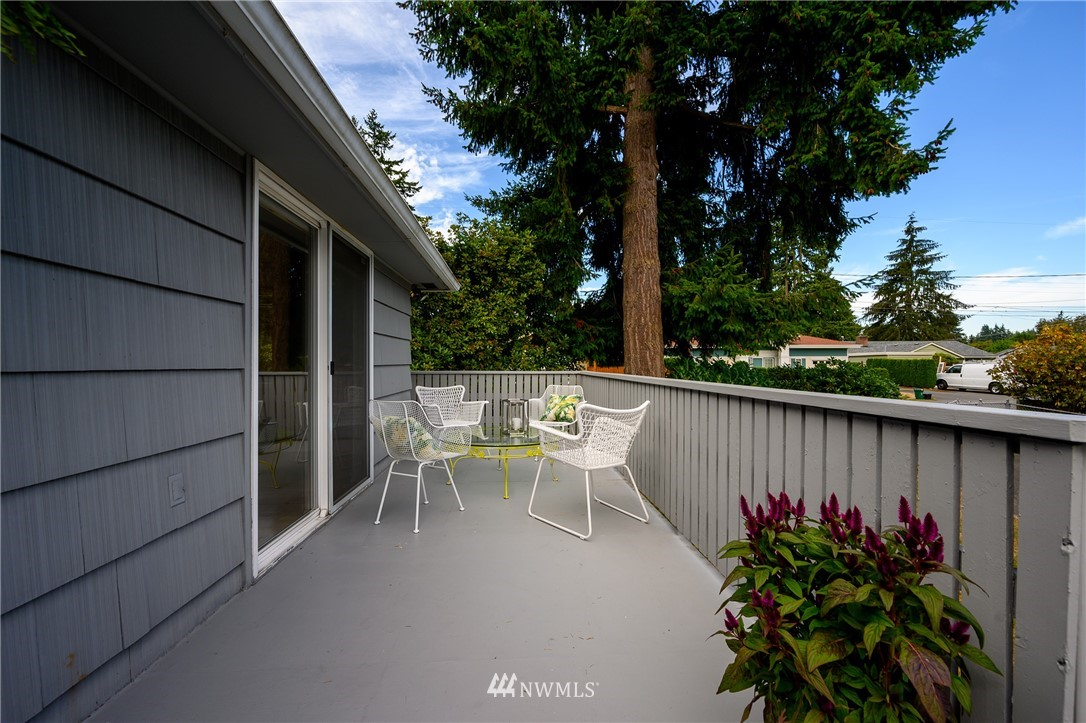 Sold Property | 2302 N 140th Street Seattle, WA 98133 23