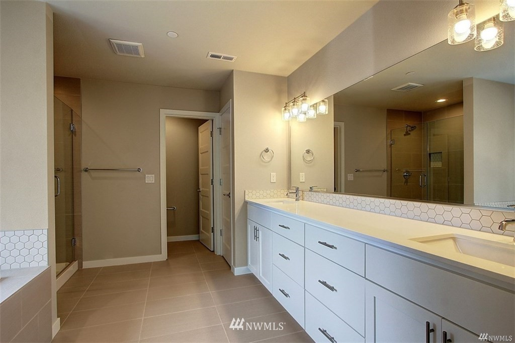 Sold Property   1417 S 132nd Street Burien, WA 98168 11