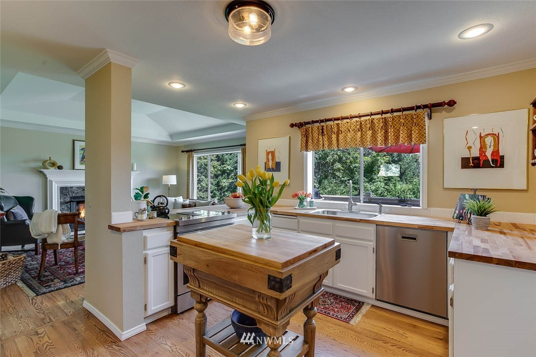 Sold Property | 18606 66th Avenue NE Kenmore, WA 98028 6