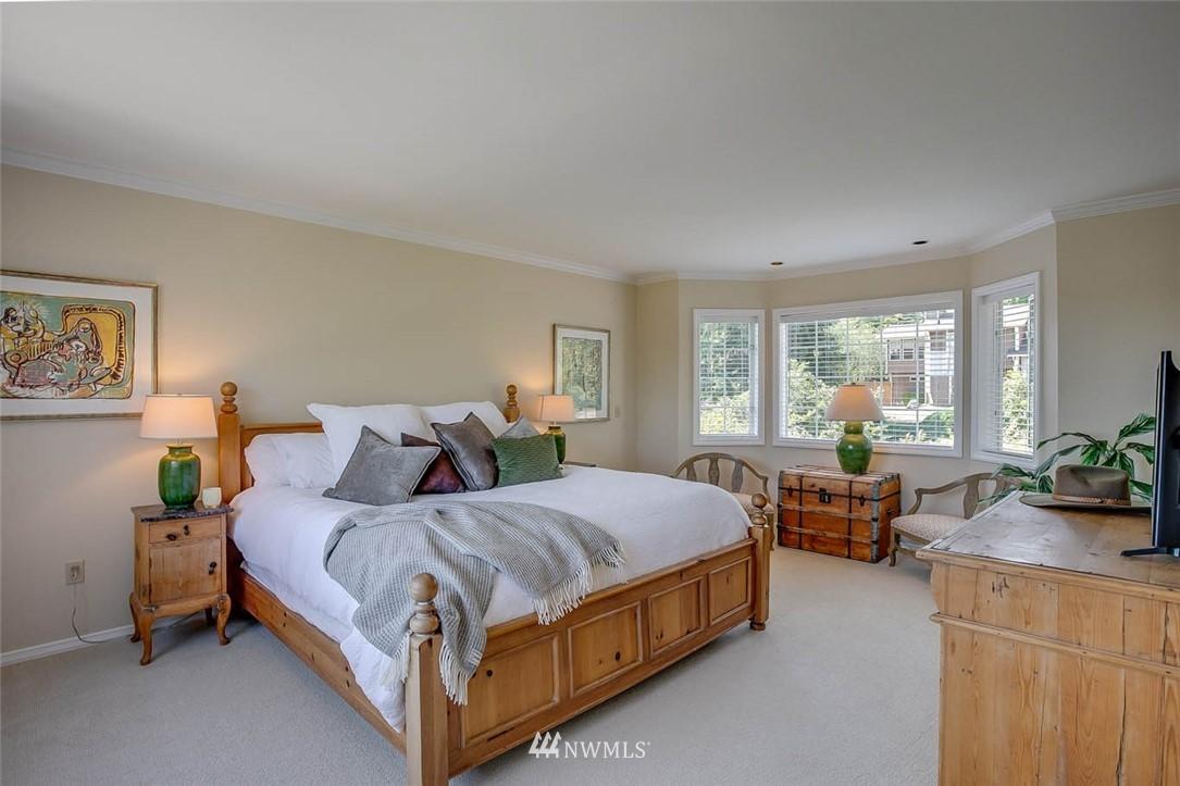 Sold Property | 18606 66th Avenue NE Kenmore, WA 98028 11