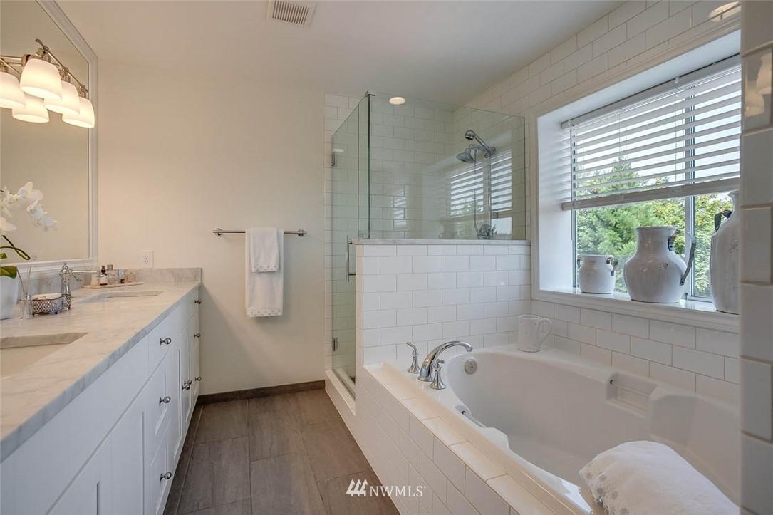 Sold Property | 18606 66th Avenue NE Kenmore, WA 98028 13