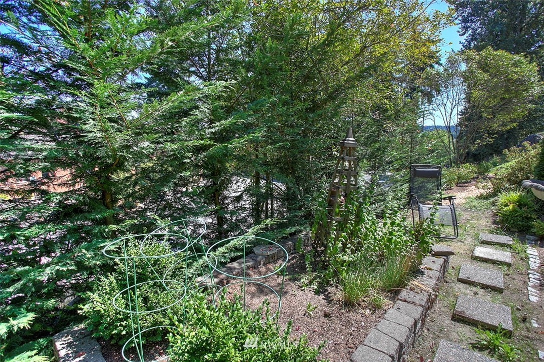 Sold Property | 18606 66th Avenue NE Kenmore, WA 98028 23