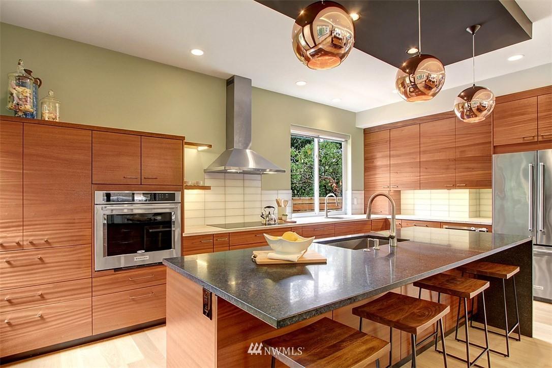Sold Property | 1517 NE 102nd Street Seattle, WA 98125 6