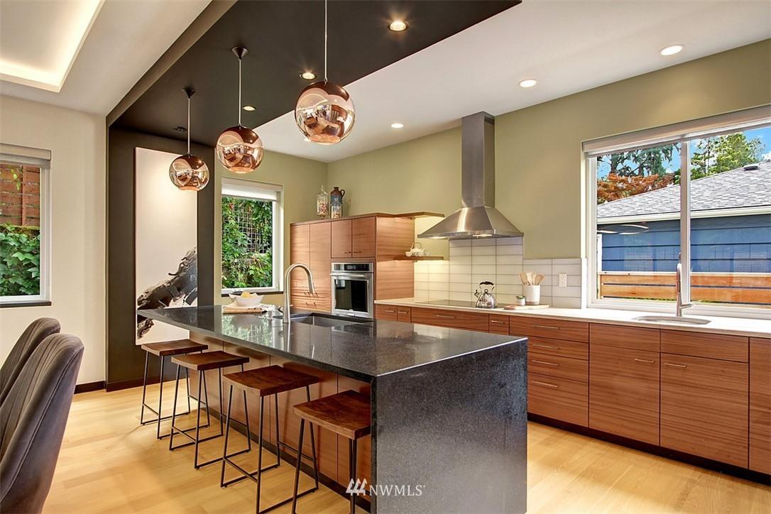 Sold Property | 1517 NE 102nd Street Seattle, WA 98125 7