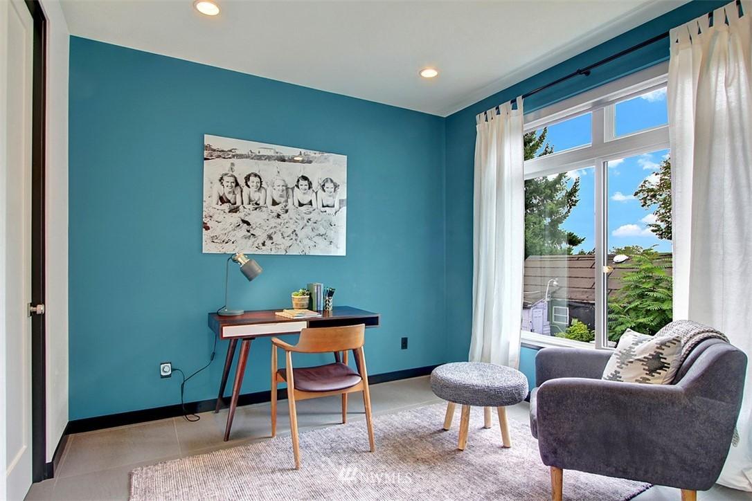 Sold Property | 1517 NE 102nd Street Seattle, WA 98125 8