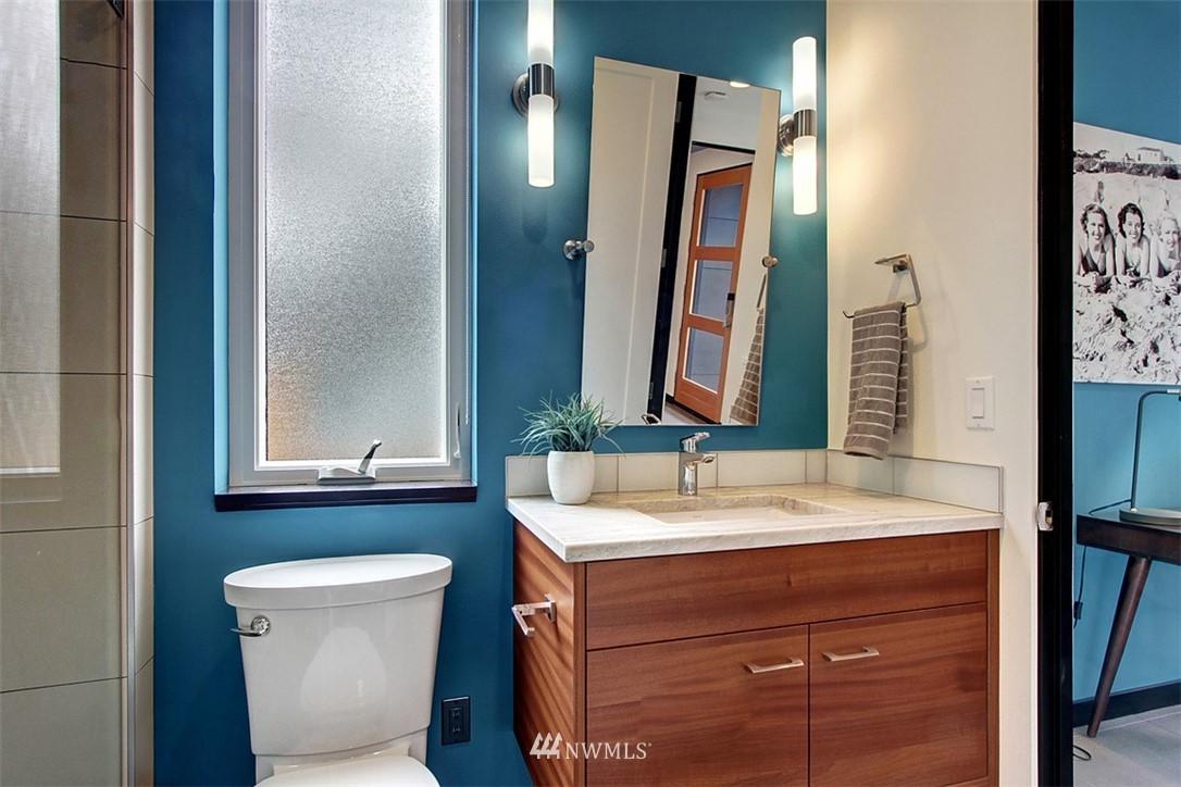 Sold Property | 1517 NE 102nd Street Seattle, WA 98125 9