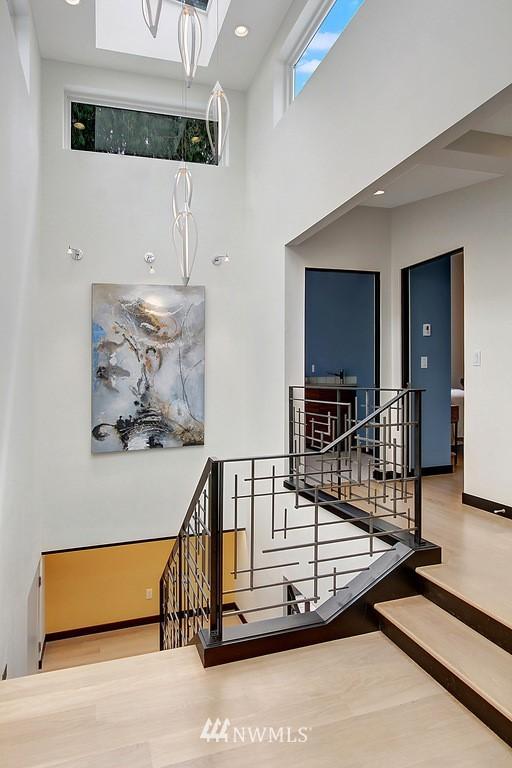 Sold Property | 1517 NE 102nd Street Seattle, WA 98125 10