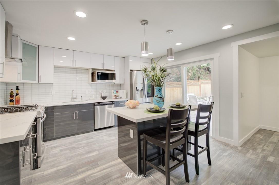 Sold Property | 7746 Sunnyside Avenue N Seattle, WA 98103 3