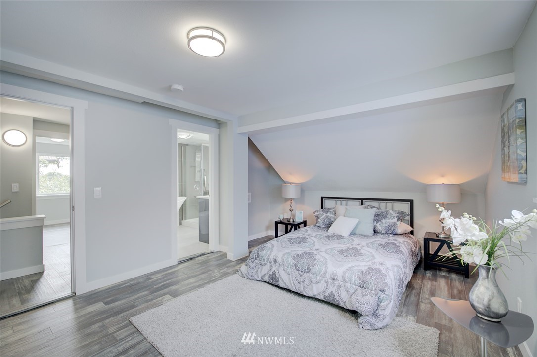 Sold Property | 7746 Sunnyside Avenue N Seattle, WA 98103 10