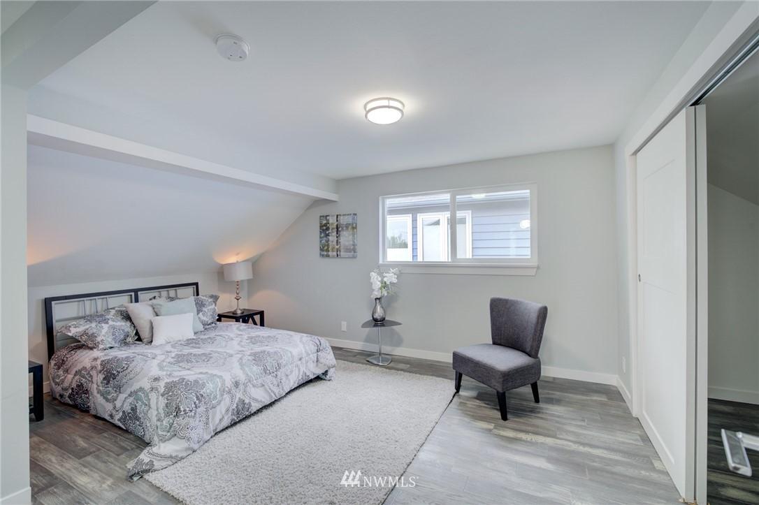 Sold Property | 7746 Sunnyside Avenue N Seattle, WA 98103 14
