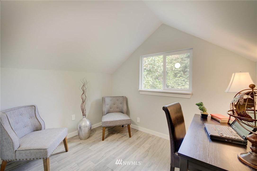 Sold Property | 7746 Sunnyside Avenue N Seattle, WA 98103 17