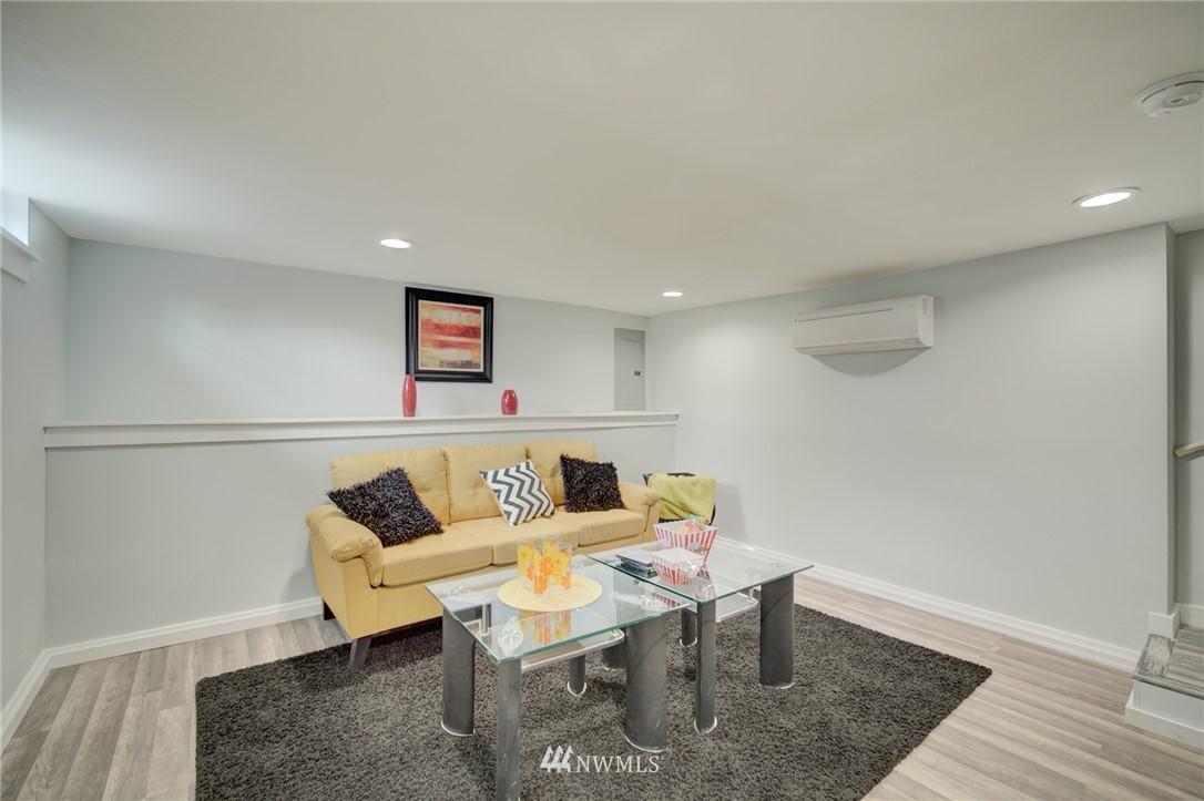Sold Property | 7746 Sunnyside Avenue N Seattle, WA 98103 19