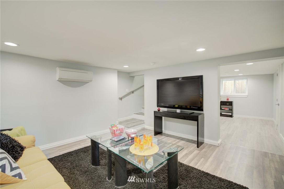 Sold Property | 7746 Sunnyside Avenue N Seattle, WA 98103 18