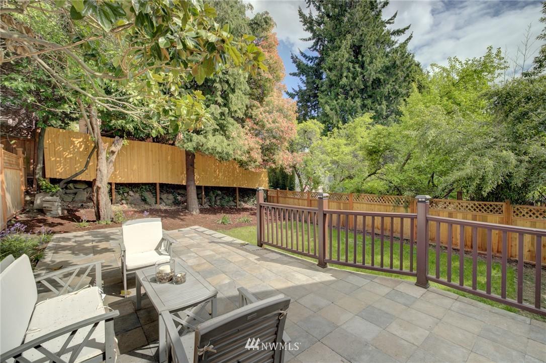 Sold Property | 7746 Sunnyside Avenue N Seattle, WA 98103 24