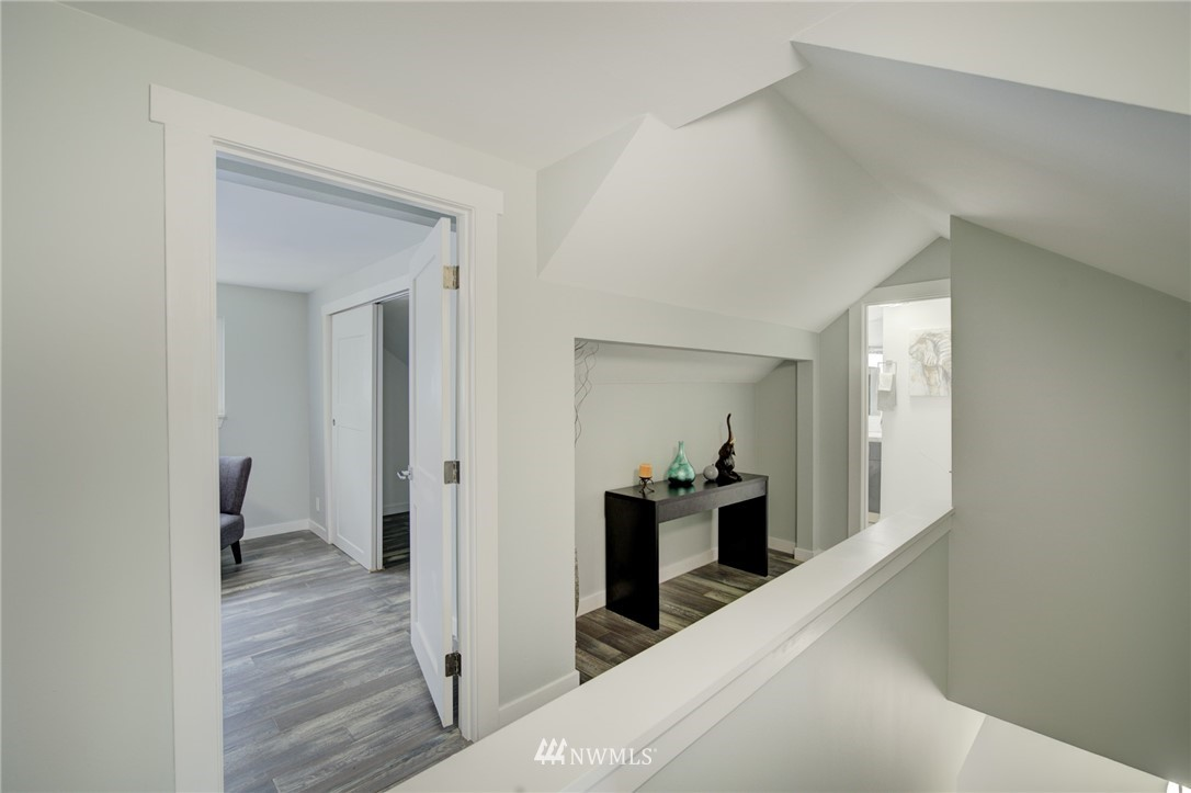 Sold Property | 7746 Sunnyside Avenue N Seattle, WA 98103 16