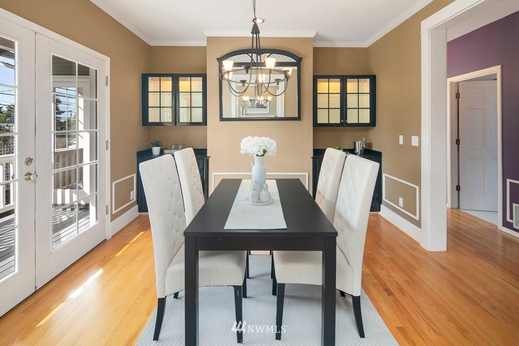Sold Property | 8603 8th Avenue NE Seattle, WA 98115 3