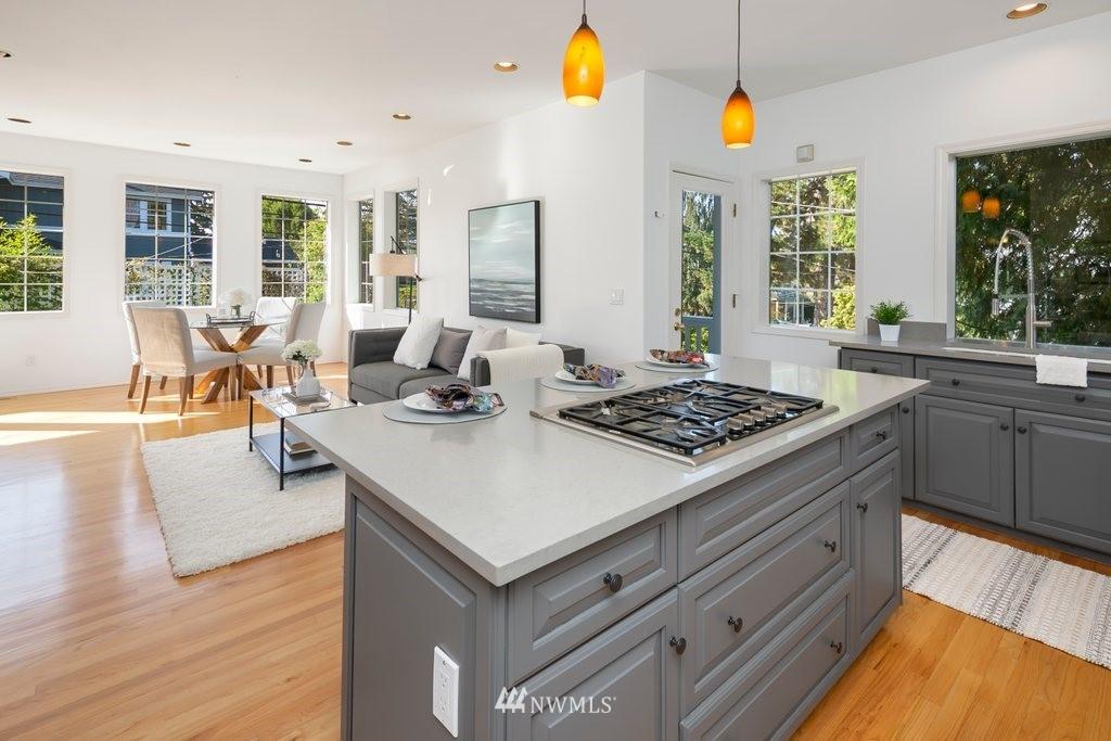 Sold Property | 8603 8th Avenue NE Seattle, WA 98115 9
