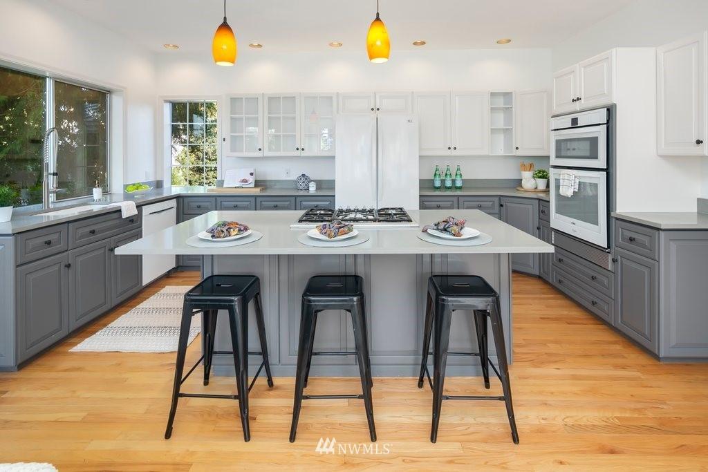 Sold Property | 8603 8th Avenue NE Seattle, WA 98115 7
