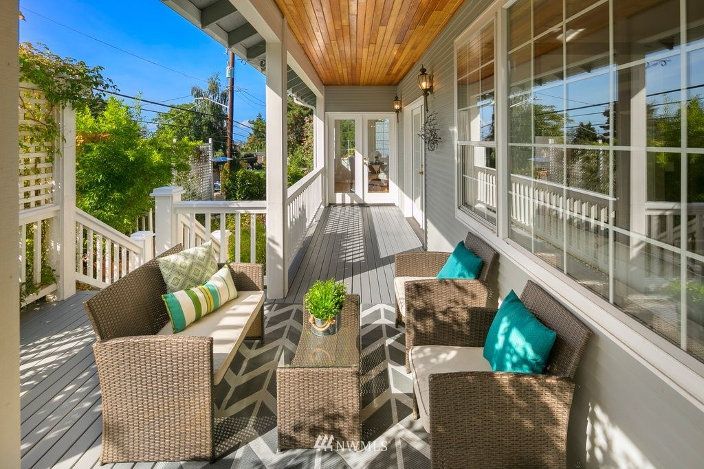 Sold Property | 8603 8th Avenue NE Seattle, WA 98115 5