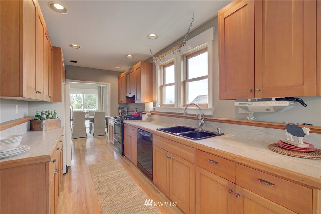 Sold Property   6027 1st NW Seattle, WA 98107 11
