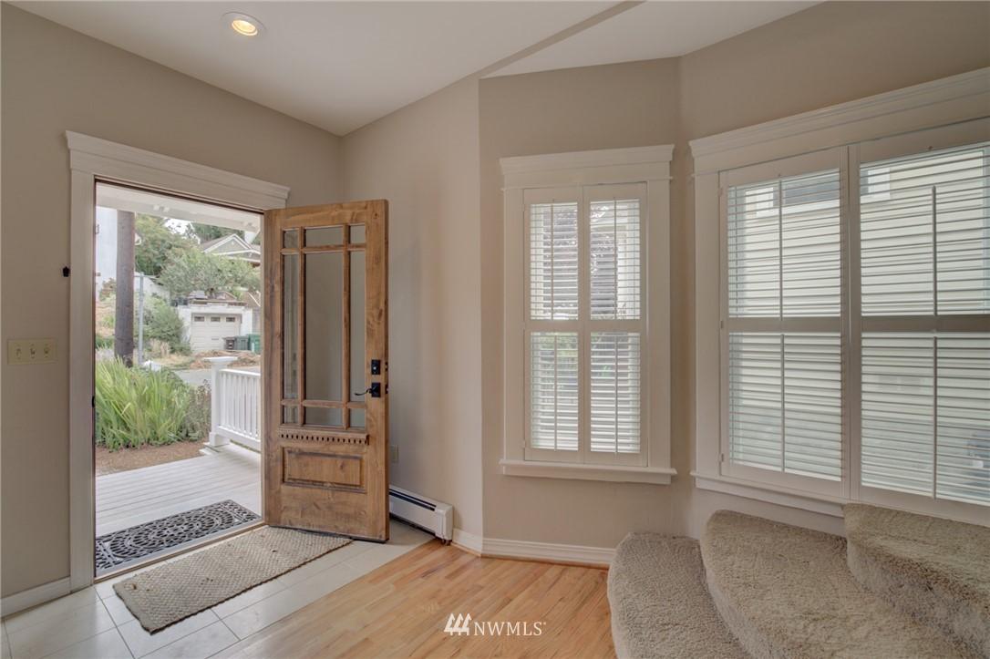 Sold Property   6027 1st NW Seattle, WA 98107 4