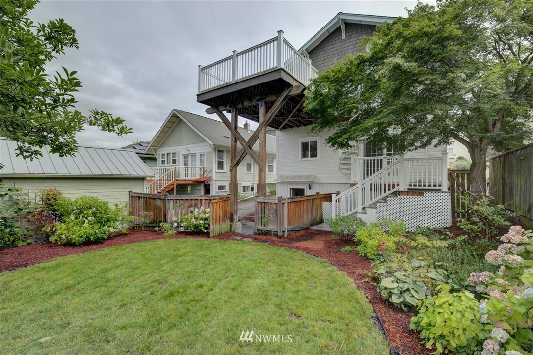 Sold Property   6027 1st NW Seattle, WA 98107 23