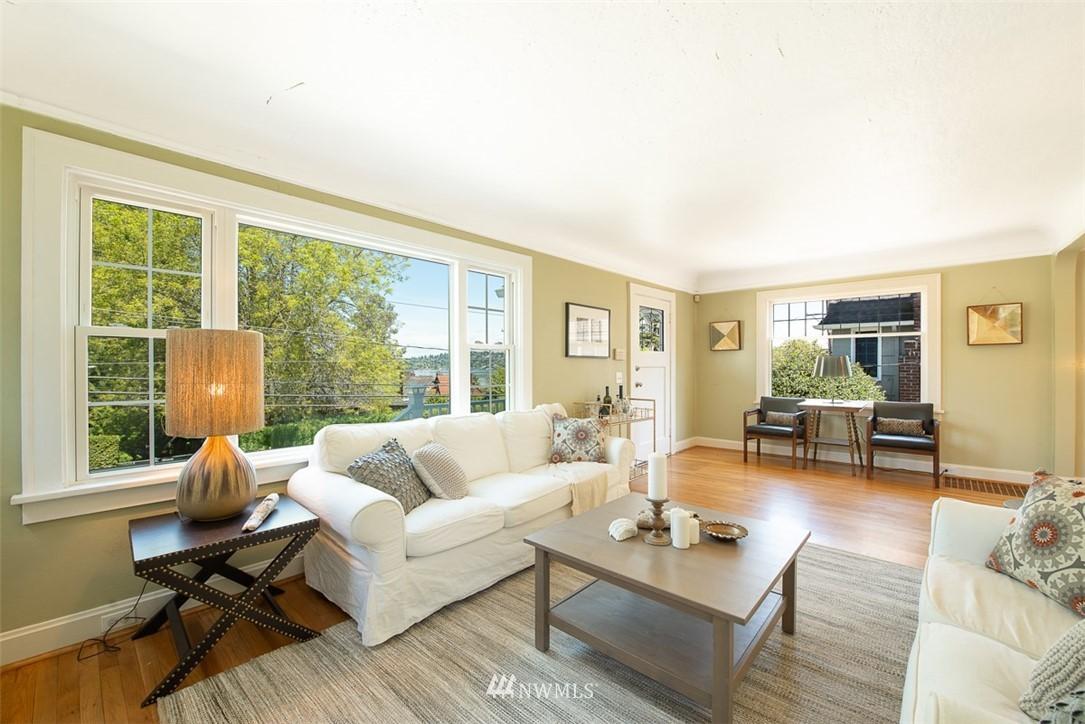 Sold Property   5015 S Alaska Street Seattle, WA 98118 4