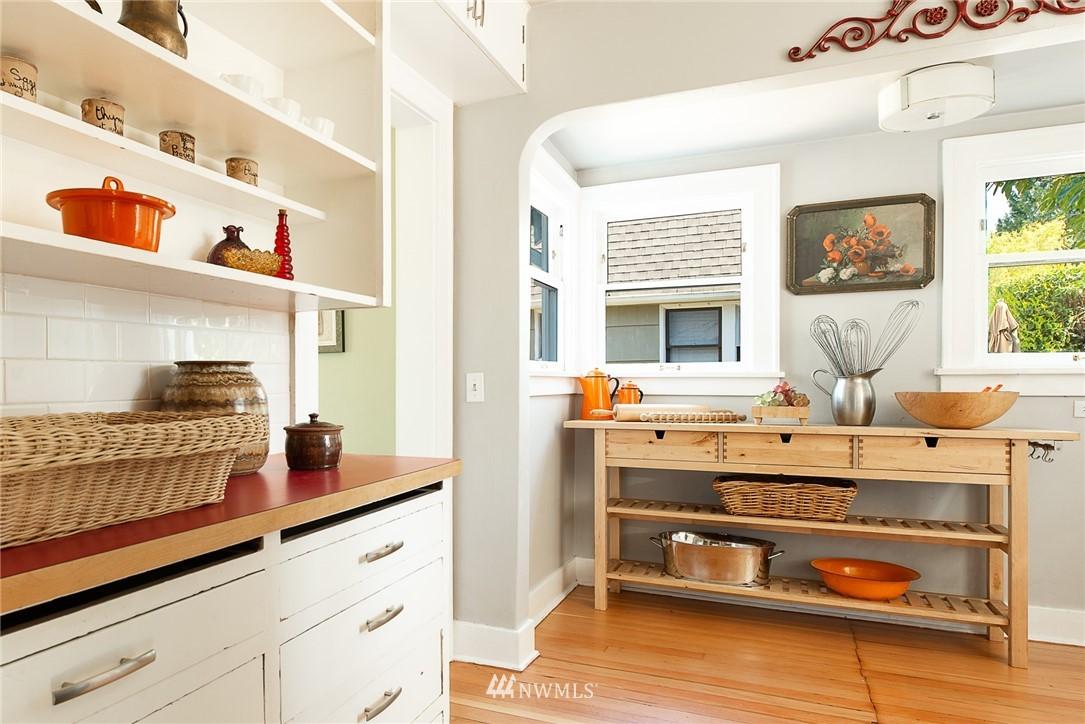Sold Property   5015 S Alaska Street Seattle, WA 98118 9