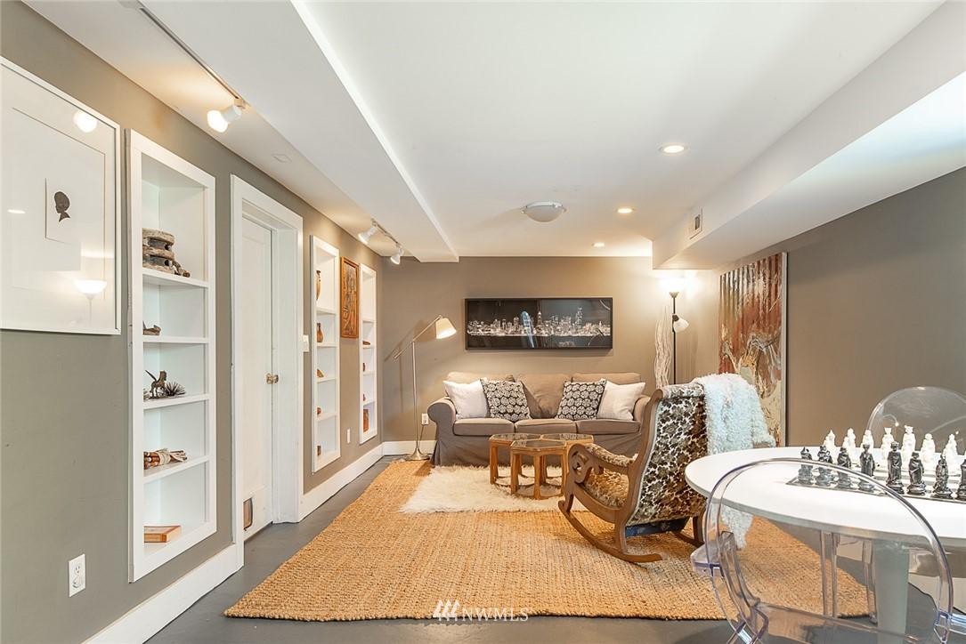 Sold Property   5015 S Alaska Street Seattle, WA 98118 20