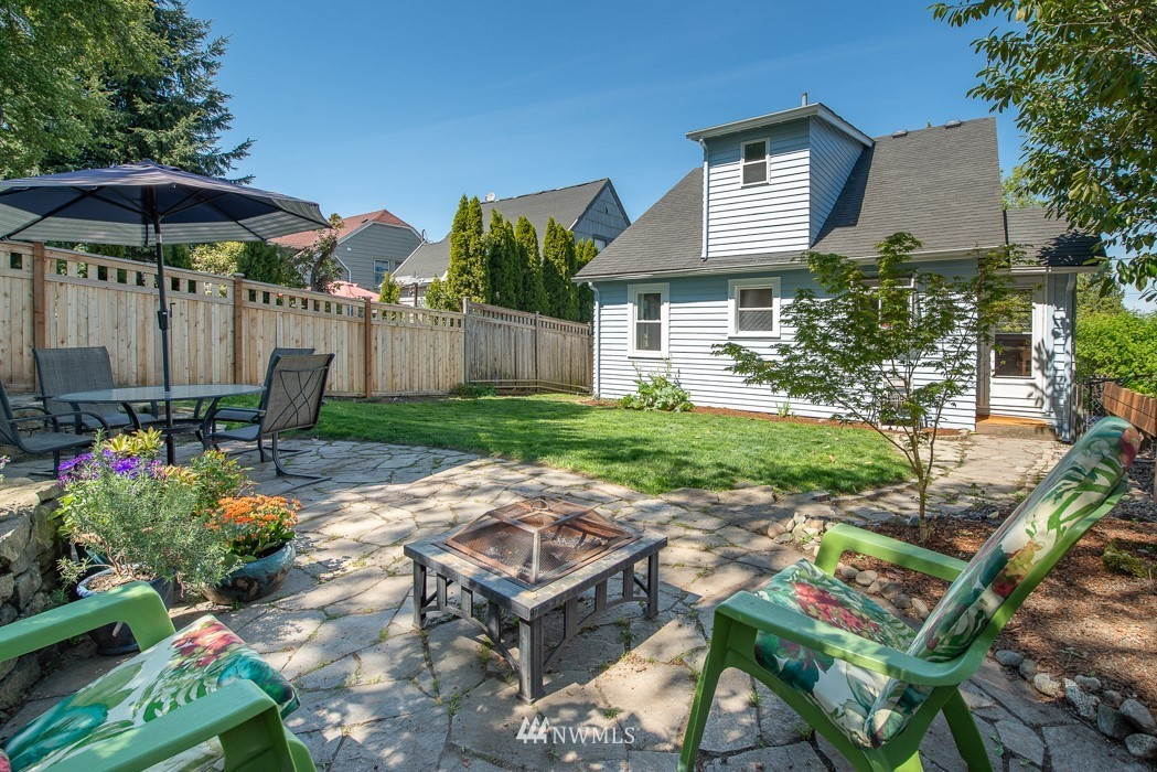 Sold Property   5015 S Alaska Street Seattle, WA 98118 22