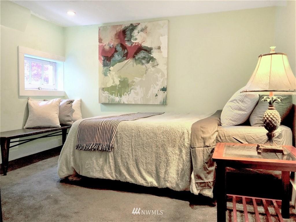 Sold Property   5015 S Alaska Street Seattle, WA 98118 19