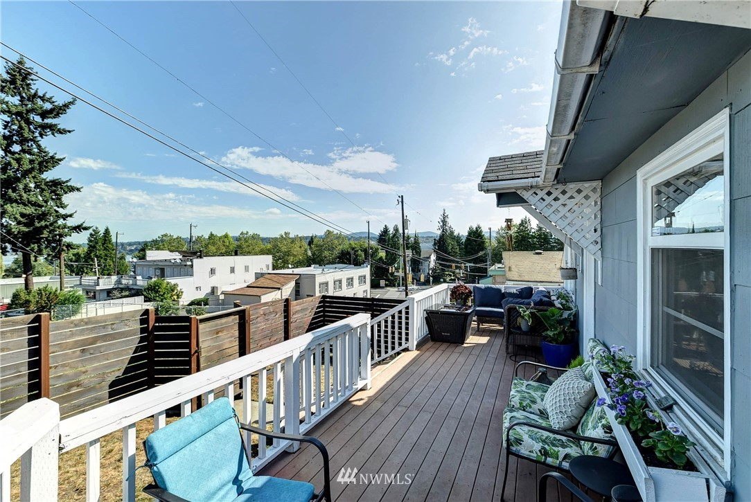 Sold Property | 8801 S 115th Place Seattle, WA 98178 2