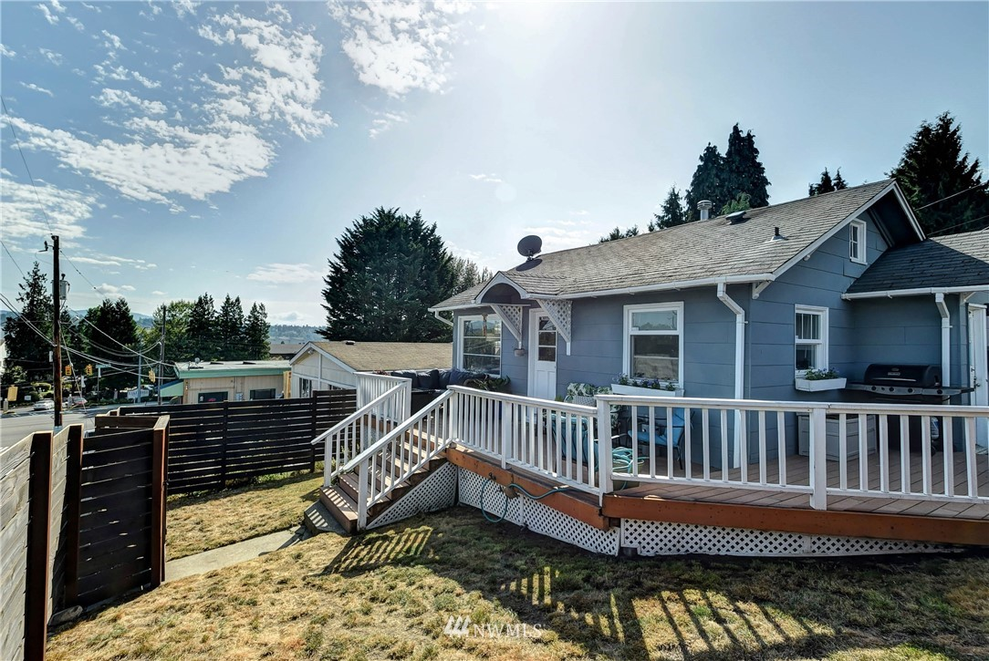 Sold Property | 8801 S 115th Place Seattle, WA 98178 0