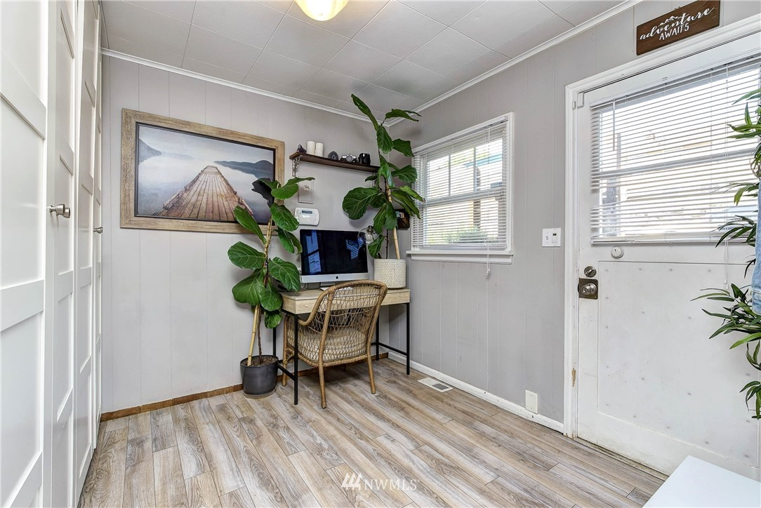 Sold Property | 8801 S 115th Place Seattle, WA 98178 7