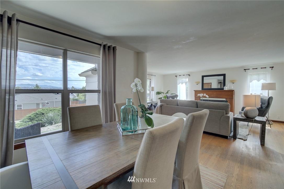Sold Property | 10941 Oakwood Avenue S Seattle, WA 98178 7