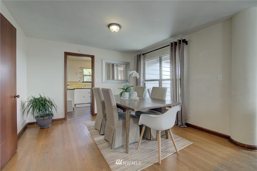 Sold Property | 10941 Oakwood Avenue S Seattle, WA 98178 8