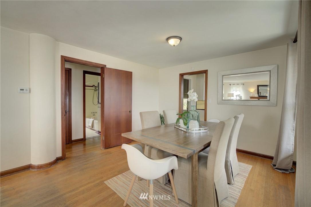 Sold Property | 10941 Oakwood Avenue S Seattle, WA 98178 9