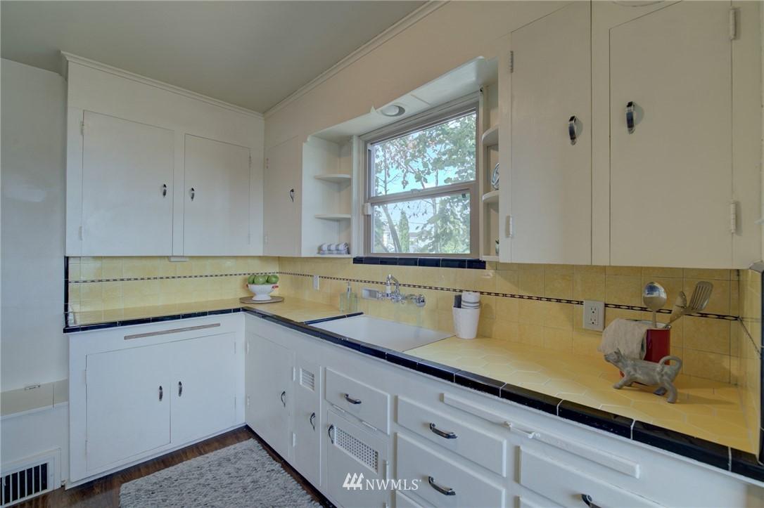 Sold Property | 10941 Oakwood Avenue S Seattle, WA 98178 10