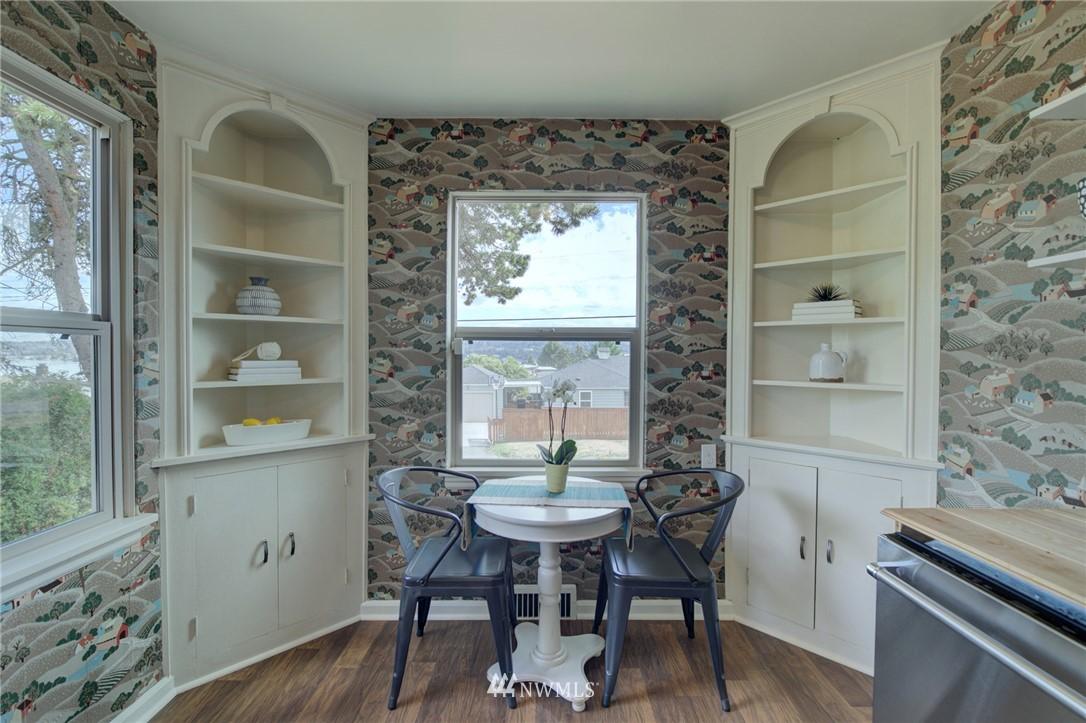 Sold Property | 10941 Oakwood Avenue S Seattle, WA 98178 13