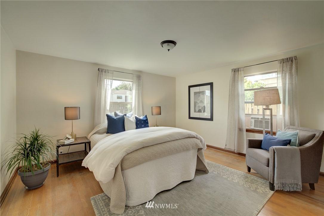 Sold Property | 10941 Oakwood Avenue S Seattle, WA 98178 14