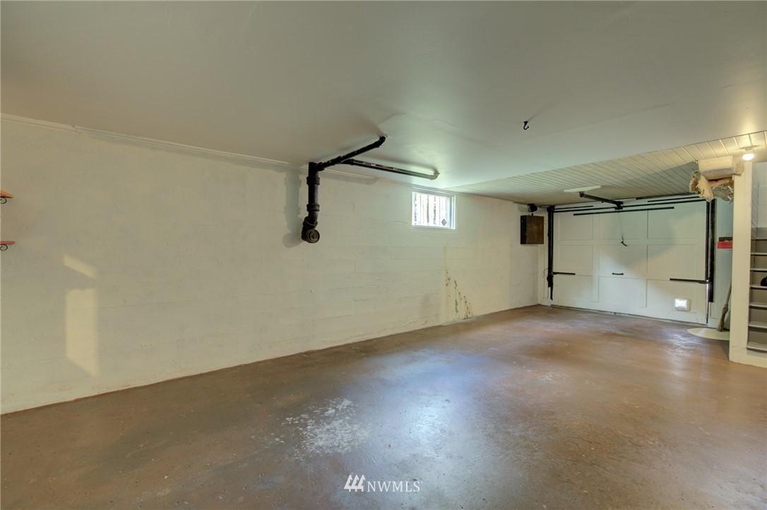 Sold Property | 10941 Oakwood Avenue S Seattle, WA 98178 19